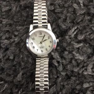 Timex lds silver tone watch mother of pearl face